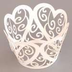 Cupcake Wrapper Pearl White Hearts (12)